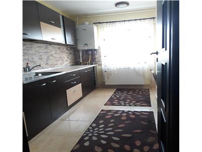 de vanzare apartament cu 3 camere, 65 mp, cu garaj, decomandat, Marasti, Cluj Napoca
