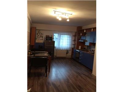 de vanzare apartament cu 3 camere, 77 mp, decomandat, Manastur, Cluj Napoca
