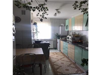 de vanzare apartament cu 3 camere, Intre Lacuri, Cluj Napoca