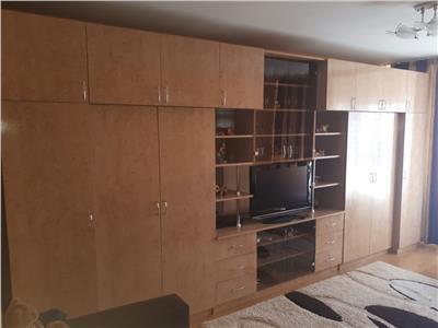 apartament de inchiriat cu loc de parcare, 2 camere, decomandat, Manastur, Cluj Napoca
