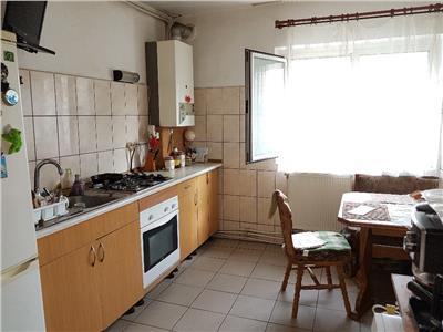 de vanzare apartament cu 3 camere decomandat, Manastur, Cluj Napoca