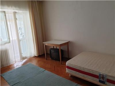 Apartament de vanzare, 3 camere, decomandat, Marasti Cluj Napoca